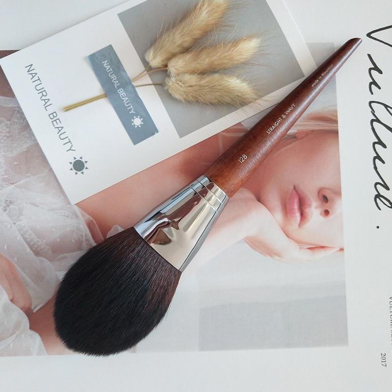 Brocha Kabuki redonda de lujo con mango de madera, brocha para polvo espeso con forma de cúpula, brocha cónica de precisión para colorete, brocha para maquillaje en polvo, 1 Uds.