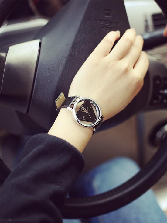 Szkielet zegarek Relogio feminino Trójkąt zegarka kobiet Delikatne przejrzyste pusta skórzany pasek wrist watch quartz dress watch 4