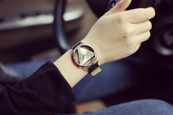 Szkielet zegarek Relogio feminino Trójkąt zegarka kobiet Delikatne przejrzyste pusta skórzany pasek wrist watch quartz dress watch 8