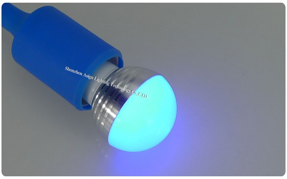 Muudetavate värvidega LED pirn