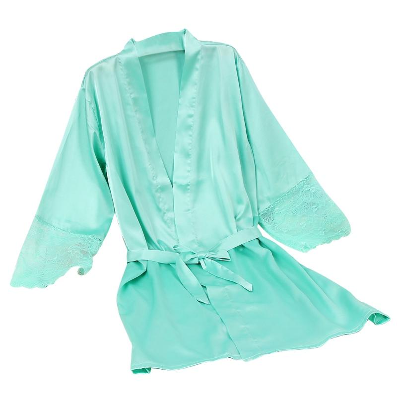 Pitsiliste varrukatega siidjad hommikumantlid
